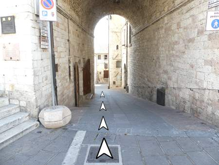 03 seconda-discesa da piazza del comune assisi